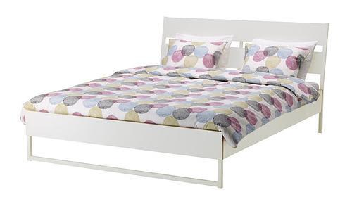 cama-de-ikea-blancas-trysil