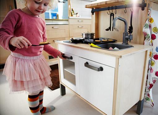 6 regalos originales navidad seg n ikea mueblesueco - Ikea cocina infantil ...