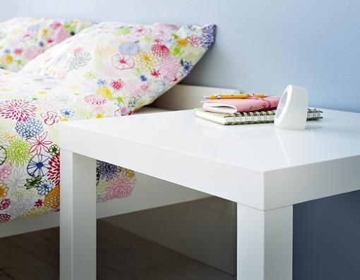 La mesa lack de ikea el mueble auxiliar m s barato y conocido for Mueble lack ikea