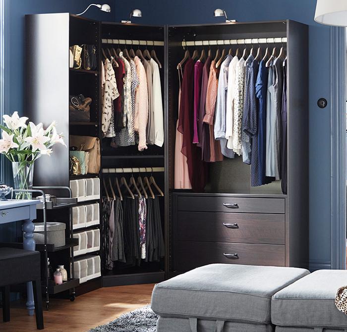 Interiores de armarios empotrados ikea for Armario esquinero ikea