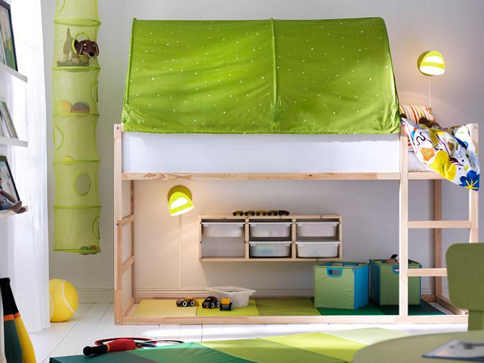Armario cama ikea dormitorio rstico con una cama grande dos mesillas de noche una cmoda de - Ikea cama infantil ...