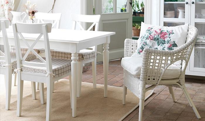 Da en el blanco con las sillas blancas ikea para tu cocina for Sillas salon blancas